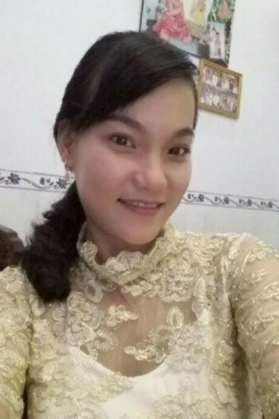 家庭的なベトナム女性20代
