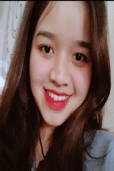色白のチャーミングなベトナム女性10代