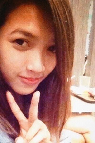 知的で品格のあるフィリピン女性20代