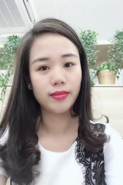 大阪在中の色白で可愛いベトナム女性30代