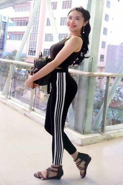 スタイル抜群のベトナム女性20代