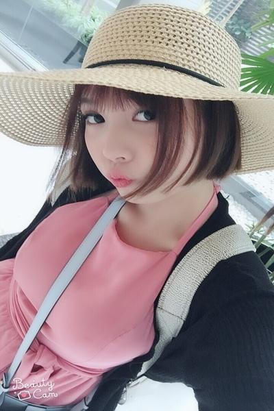 帽子が大好きお洒落なベトナム女性20代