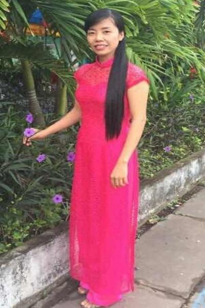 知的で家庭的なベトナム女性30代