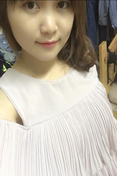 大阪在中の何事にも前向きなベトナム女性20代