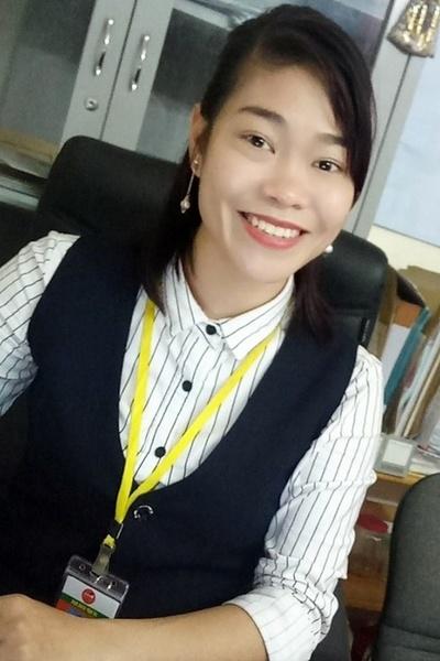 静岡在中の聡明なベトナム女性20代