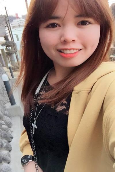 岩手県在中大きな瞳の素朴で可愛いベトナム女性20代