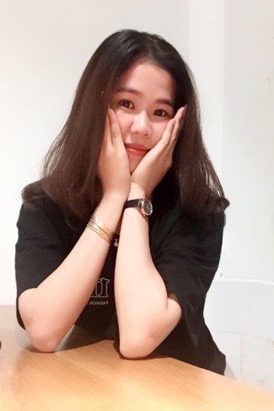 スタイルの良いベトナム女性20代