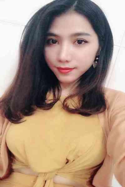 好奇心旺盛な前向きでお洒落なベトナム女性20代