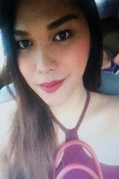 グラマーでチャーミングなフィリピン女性20代