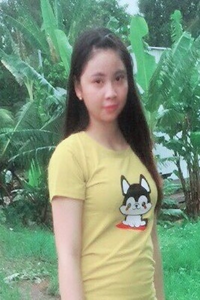 飾らない素朴なベトナム女性20代