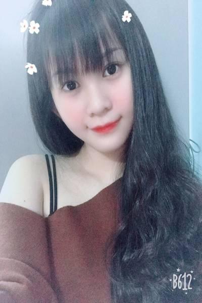 色白で可愛いベトナム女性20代