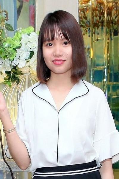素朴で可愛いベトナム女性20代