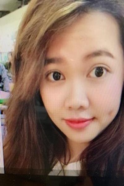北海道在中の瞳の綺麗な可愛いベトナム女性20代