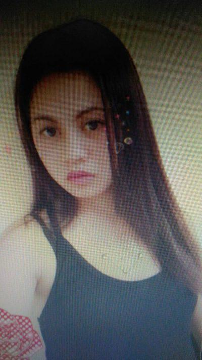 黒髪が自慢のフィリピン女性20代