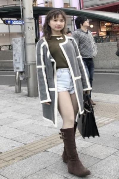 大阪在中の色白で可愛いベトナム女性20代
