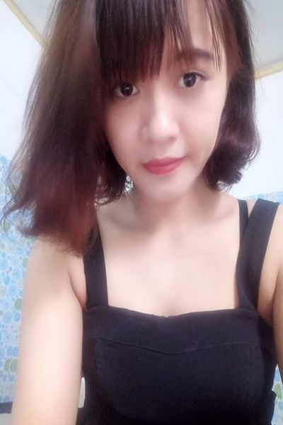 少々内向的なベトナム女性20代