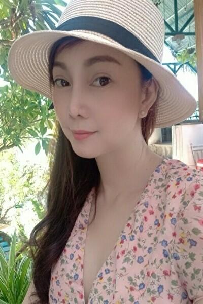 世話好きなベトナム女性40代