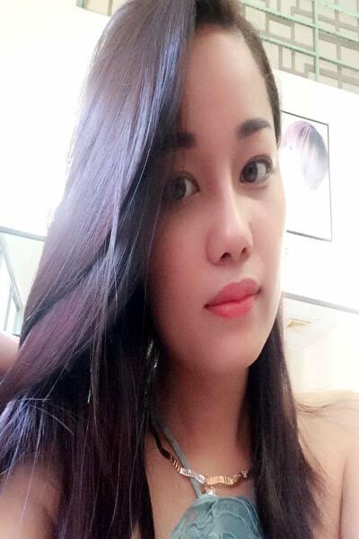 落ち着きのある美しいベトナム女性20代
