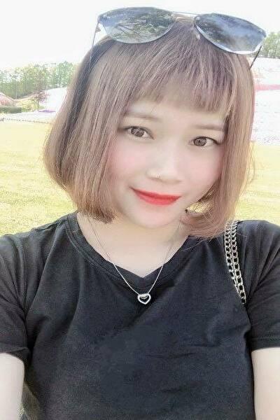 北海道在中の足の綺麗なベトナム女性20代