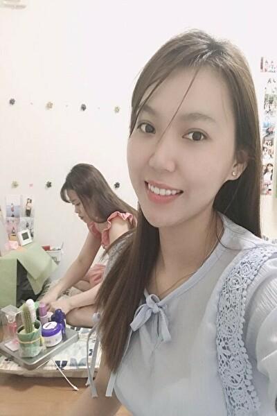 千葉県在中の長身でスタイルの良いベトナム女性20代