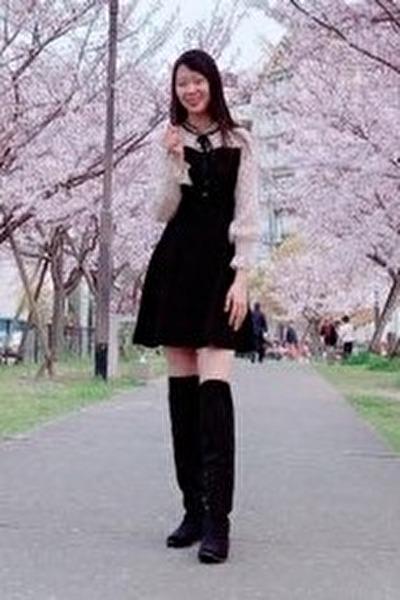 兵庫県在中の長身で長い髪が自慢のベトナム女性20代