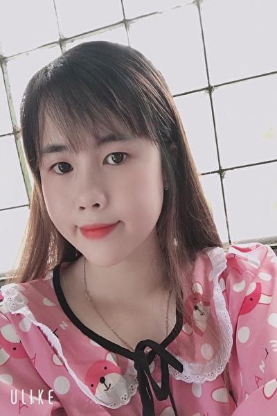 優しい白衣の天使ベトナム女性20代
