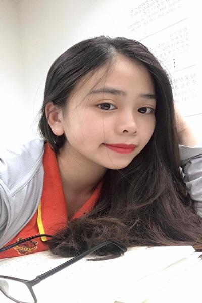 大阪在中の日本語と英語が話せる可愛いいベトナム女性20代