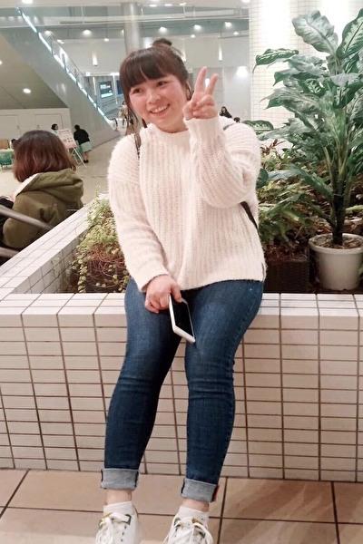 大阪在中の前向きな明るいベトナム女性30代
