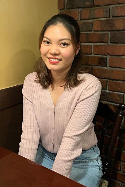 東京在中の日本語の上手な知的な在日ベトナム女性20代