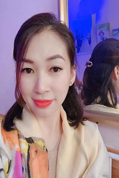 お洒落で色っぽい大人のベトナム女性30代