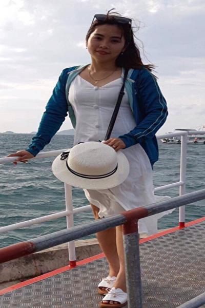 少々はにかみ屋のベトナム女性30代