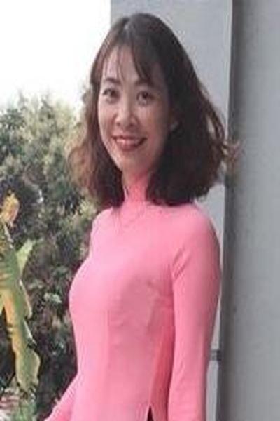 英語が話せるベトナム女性30代
