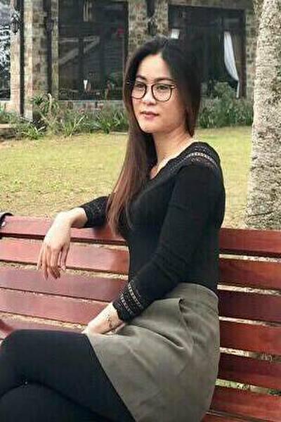面倒見の良い大人のベトナム女性30代