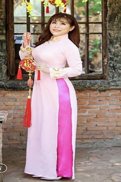 協調性のある優しいベトナム女性30代