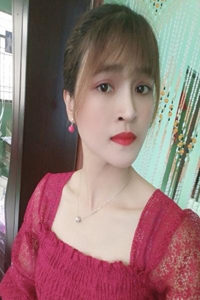 スタイルの良いお洒落なベトナム女性20代