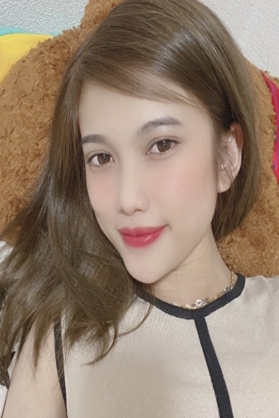 仙台在中のスタイルの良いお洒落なベトナム女性20代