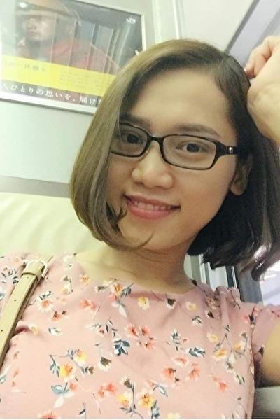 兵庫県在中の英語と日本語が話せる知的なベトナム女性20代