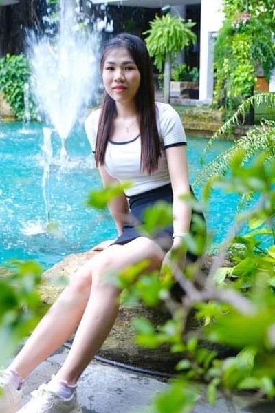 脚のきれいなベトナム女性20代