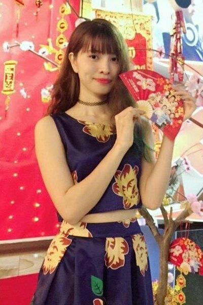 知的でお洒落なベトナム女性20代