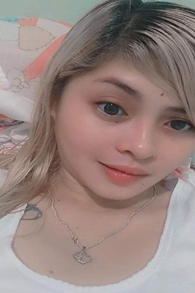 色白で可愛いフィリピン女性20代