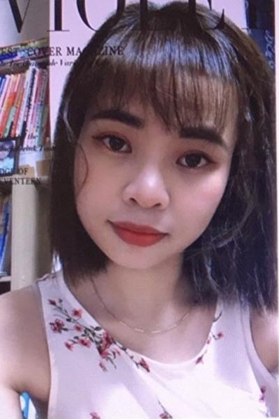 東京在中の瞳の大きなベトナム女性30代