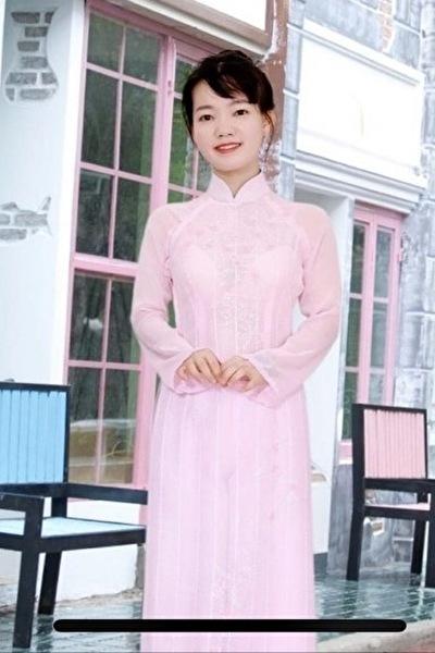 清楚で大人しいベトナム女性20代