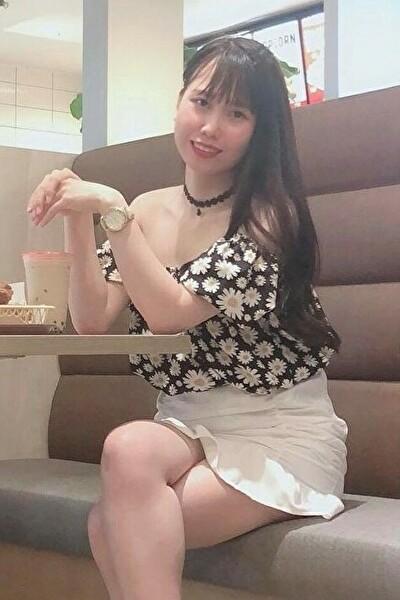 神奈川県在中の介護に励んでいる優しいベトナム女性 20代(JP168)